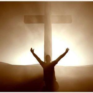 Paulo, mfungwa wa Kristo Yesu, na Timotheo aliye ndugu yetu, kwa Filemoni mpendwa wetu, mtenda kazi pamoja nasi