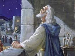 Nini maana ya kuutia moyo ufahamu? (Danieli 10:12)